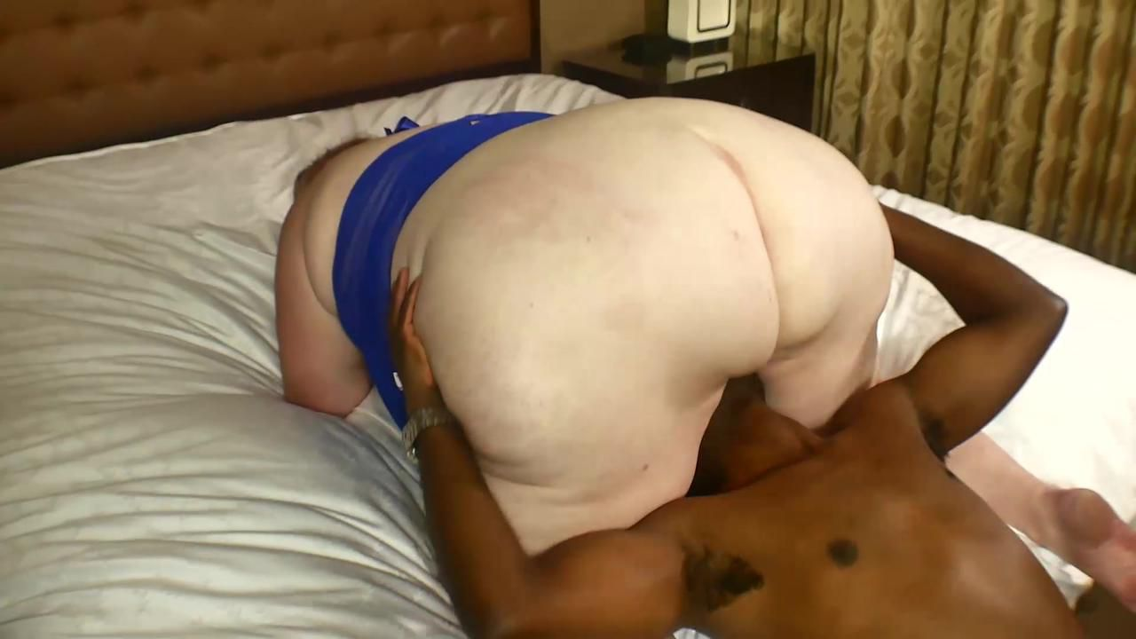 Squirting for Dummies feat. Julie Ginger Full Scene