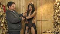 Bondage Model Tricked To Blowjob
