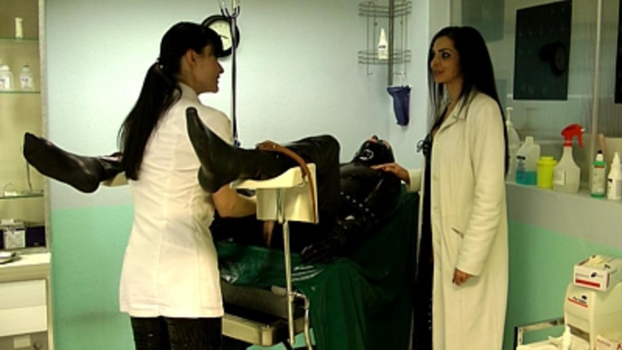 Mistress Zita & Cheyenne de Muriel - A nasty Therapy