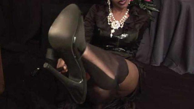 Gothic latex glamour foot worship