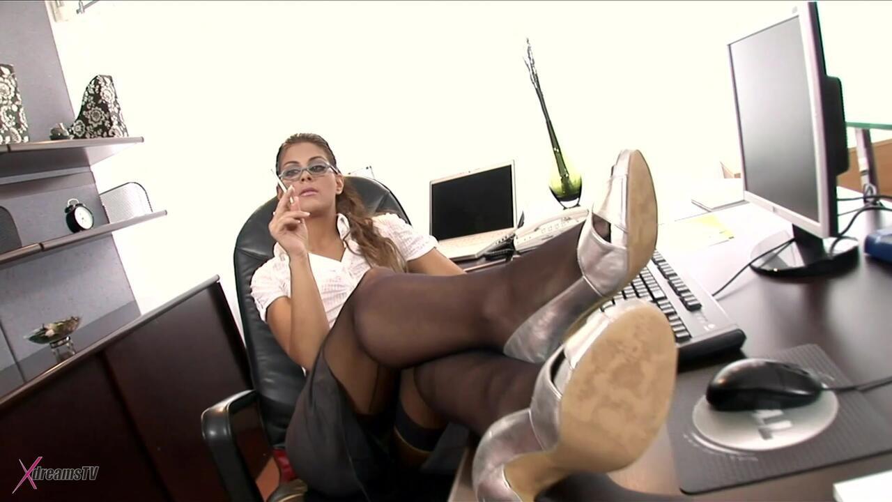 Sekrtärinnen - Defrancesca Gallardo - Ich träume davon von meinem Boss den Arsch gefickt zu bekommen