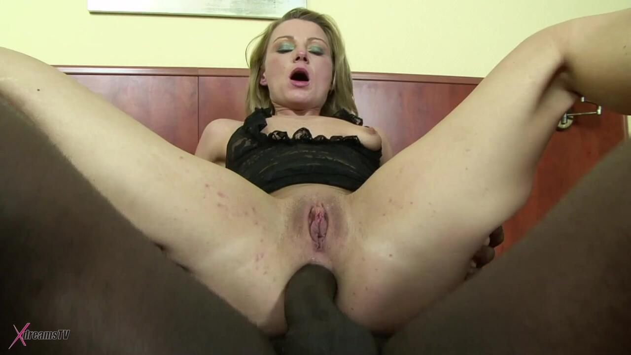 Black & White - Suzy - My MILF Asshole Gets Ruined - Episode 2