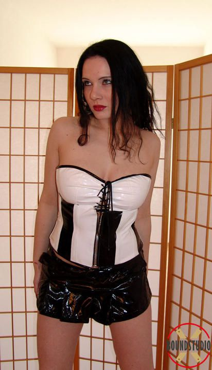 Corset, heels and ropes