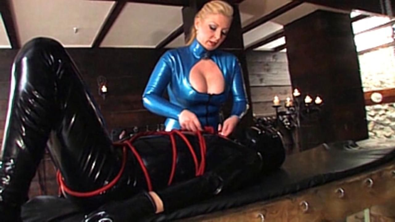 Contessa Cara - Rubber, Bondage and Anal Play