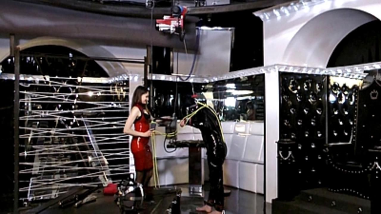 Lady Lilith - Rubbertoy in Troubel