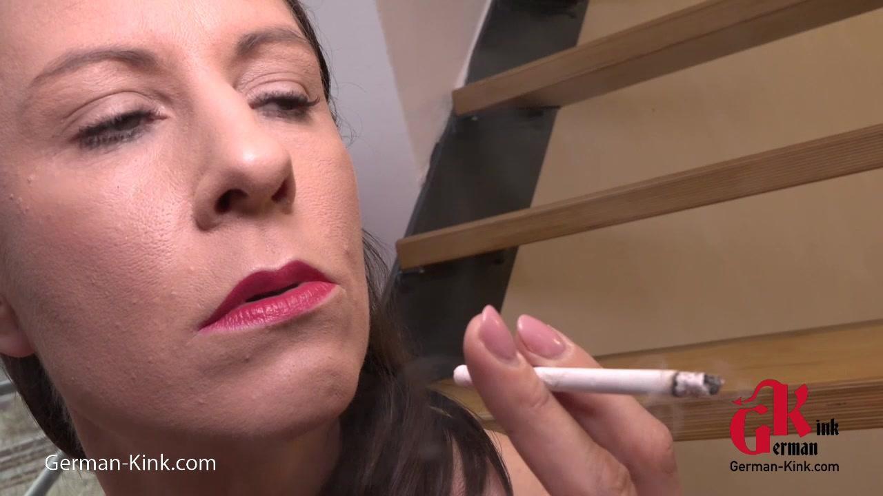 Smoking Latex Girl
