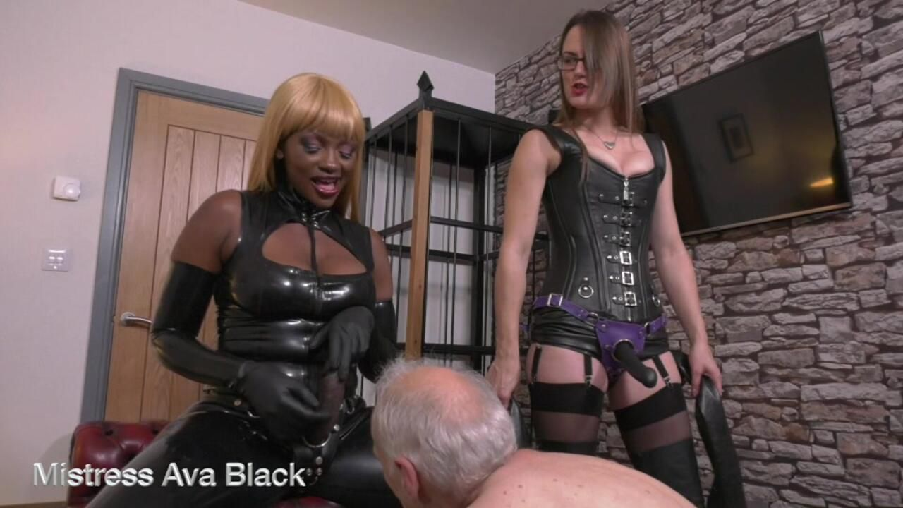 One well used slave hole - Full clip