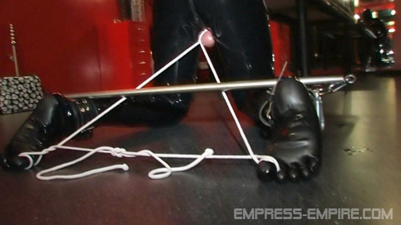 Madame Zoé - Rubbertoys boots licking session
