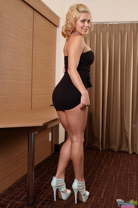 Kinky Teen Latina First Time Ever Doing Nude