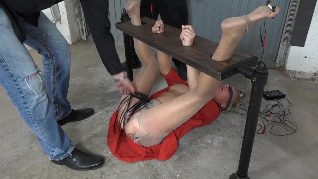 Marianne -  new slave girl